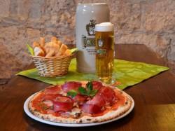 GIRO PIZZA   per 1 persona  Birra inclusa - FESTUNG BIERSTUBE