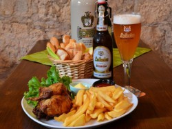 MENU' POLLETTO   per 1 persona  Birra inclusa - FESTUNG BIERSTUBE