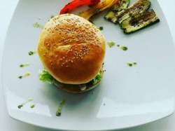 MENU' HAMBURGER E PATATINE  per 2 persone   - GARAGE FOOD