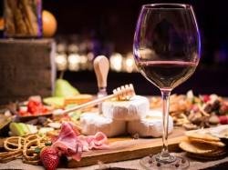 MERENDA SINOIRA  per 1 persona  Tagliere e Vino inclusi - CA SAN SEBASTIANO