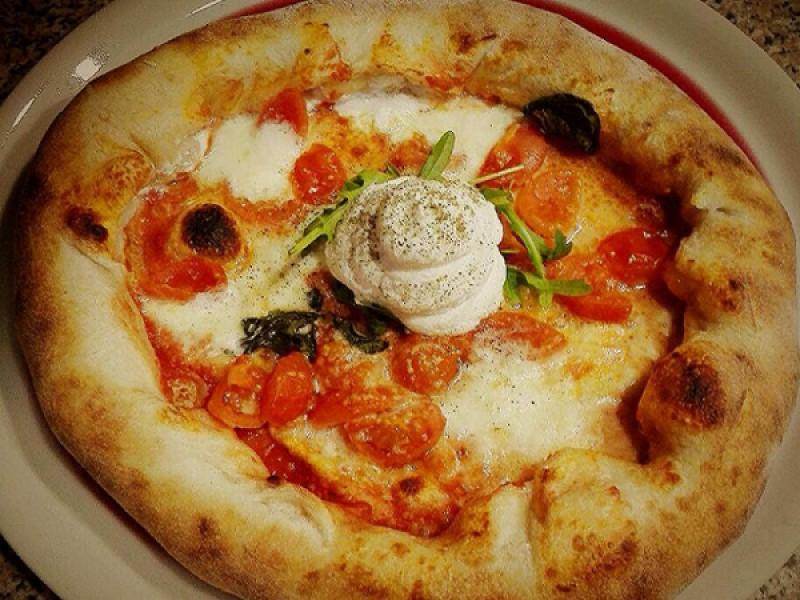 Foto 1 di MENU' PIZZA  per 2 persone  Ottieni 100 punti GURMY! - PROFUMO DI NAPOLI