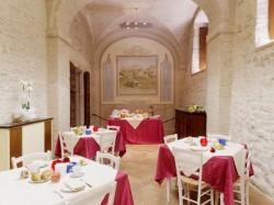 CENA AL CASTELLO  per 2 persone  con aperitivo di benvenuto - CASTELLO DI BACCARESCA