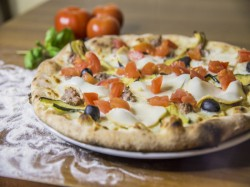 MENU' PIZZA GOURMET  per 2 persone  pizza a scelta tra 40 proposte - PIZZERIA OSTERIA LE NINFE