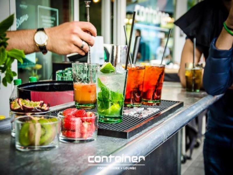 Foto 1 di BUONO GURMY  APERITIVO OMAGGIO  per 1 persona - CONTAINER Food Drink Lounge
