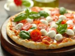 BUONO GURMY  MENU' PIZZA OMAGGIO  per 2 persone - A CASA MIA