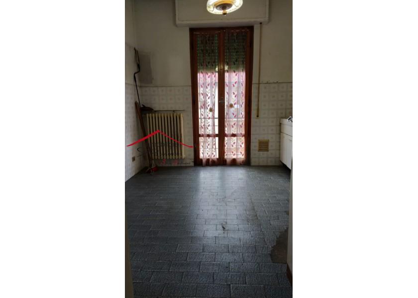 CASA SEMI INDIPENDENTE in VENDITA a LONDA - CENTRO