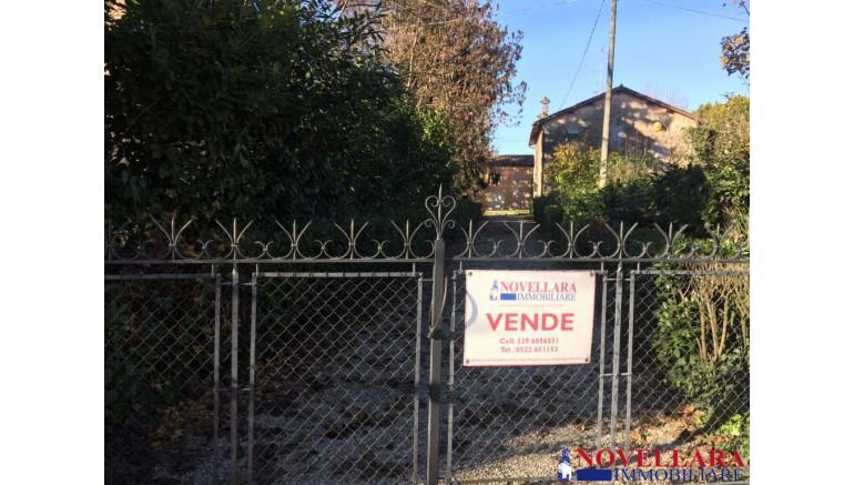 COLONICA in VENDITA a NOVELLARA