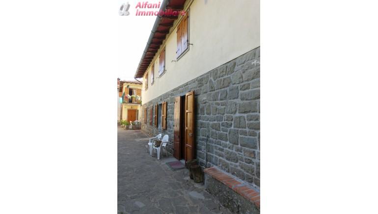 APPARTAMENTO INDIPENDENTE in VENDITA a CASTEL SAN NICCOLO'