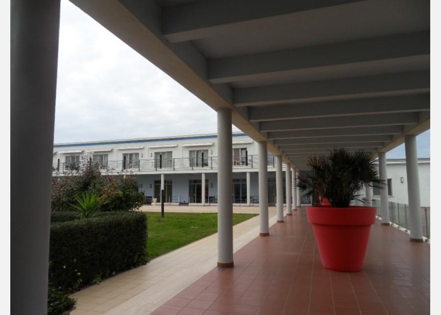 FONDO COMMERCIALE in VENDITA a PISA - CALAMBRONE