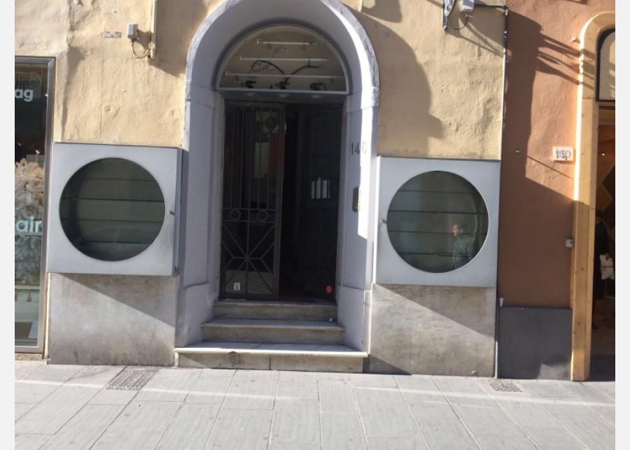 FONDO COMMERCIALE in AFFITTO a PISA - S. ANTONIO
