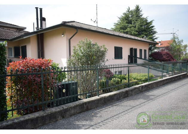 VILLA in VENDITA a CAVENAGO DI BRIANZA