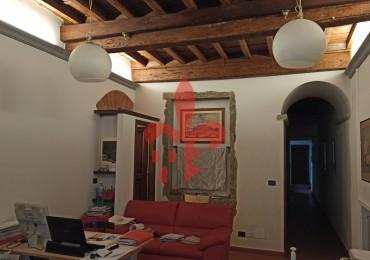 cerca Firenze  Santa Croce / Sant Ambrogio RISTORANTE AFFITTO