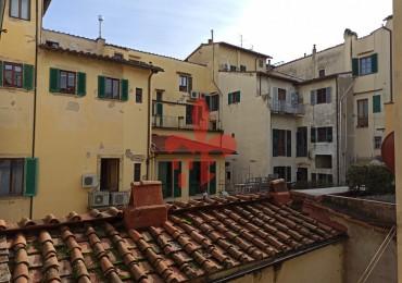 cerca Firenze  Santa Croce / Sant Ambrogio APPARTAMENTO VENDITA