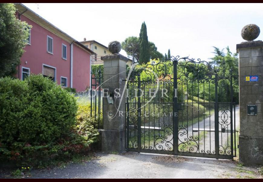 IMMOBILE DI PRESTIGIO in VENDITA a FIRENZE -