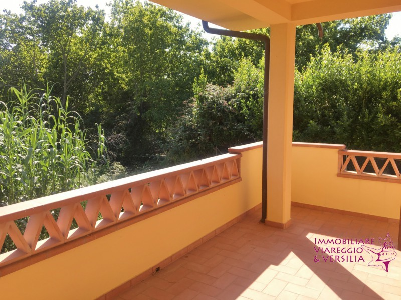 BIFAMILIARE in VENDITA a MASSAROSA - GENERICA