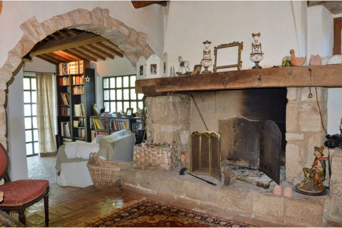 COUNTRY HOUSE on SALE in ROCCALBEGNA - CANA