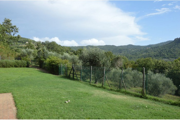 COUNTRY COTTAGE on SALE in ROCCASTRADA - ROCCATEDERIGHI