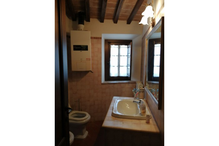 DETACHED APARTMENT on SALE in CINIGIANO - MONTIECELLO AMIATA