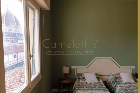 Cameloth's